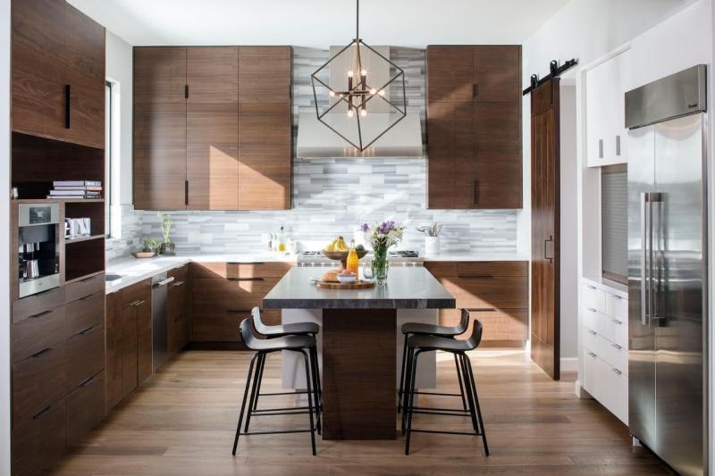 Коричневые фасады кухонной мебели