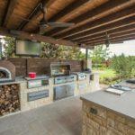 Линейная планировка летней кухни