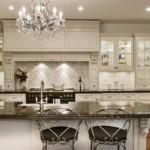 Кухонная мебель с подсветкой внутри шкафов