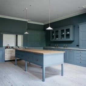 Подбор мебели под стены кухни