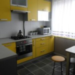 Желтая мебель в современной кухне