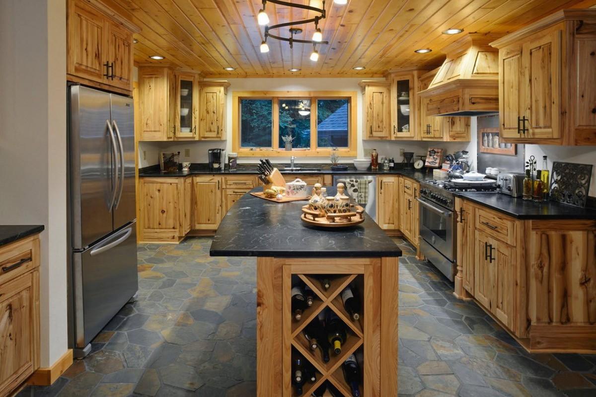 человека фото кухни в деревянном исполнении сша