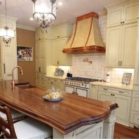 Деревянная столешница кухонного острова