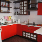 Красные фасады кухни в китайском стиле