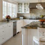 Гранитные столешницы кухонной мебели