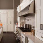 Линейная планировка рабочей зоны кухни