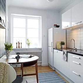 Плитка кабанчик на фартуке кухни