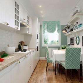 Чехлы на спинках кухонных стульев