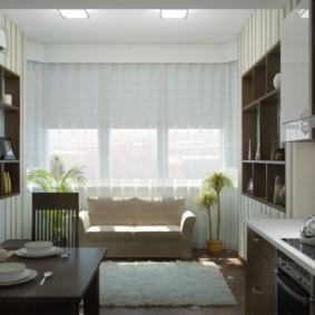 Белые шторы на кухонном окне