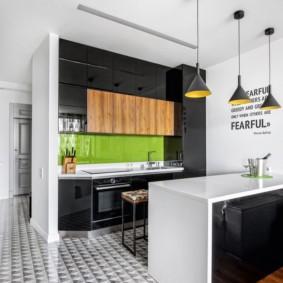 Рабочая зона кухни-гостиной с элементами эко-стиля