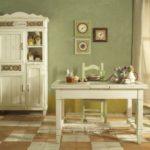 Белая мебель на керамическом полу