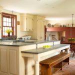 Кремовые фасады кухонной мебели