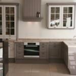 Деревянная мебель с крашенными фасадами