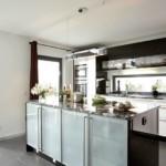 Дизайн рабочей зоны кухни с наливным полом