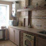 Линейная кухня без навесных шкафчиков