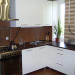 Черные столешницы кухонной мебели