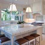 Мраморная столешница кухонного острова