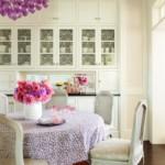 Клеенка с мелким принтом на кухонном столе