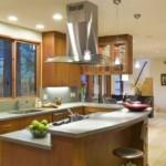 Кухонный остров с двумя столешницами