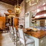 Дизайн большой кухни в стиле лофт