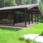 Летняя кухня с двускатной крышей