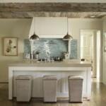 деревянный потолок кухни в частном доме