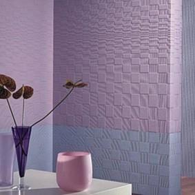 Окраска стеклообоев на стене в разные тона