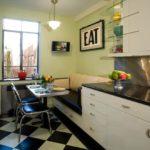 Удобный диванчик в обеденной зоне кухни