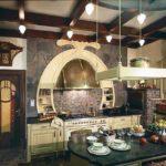 Винтажный светильник над кухонным островом