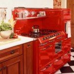 Красная варочная плита в ретро стиле