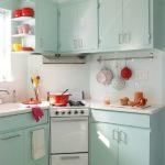 кухонный гарнитур с плитой в углу