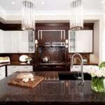 Коричневая поверхность кухонной столешницы