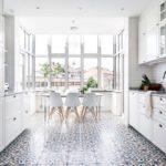 Мозаичный пол из керамической плитки
