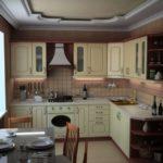 Бюджетный гарнитур для кухни в стиле прованс