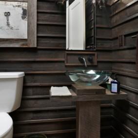 Стеклянная раковина на тумбе из натуральной древесины