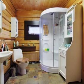 Современная душевая кабина с дверцами из стекла