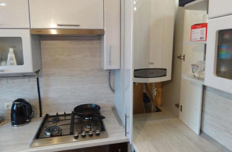 Кухонный гарнитур с местом для газовой колонки