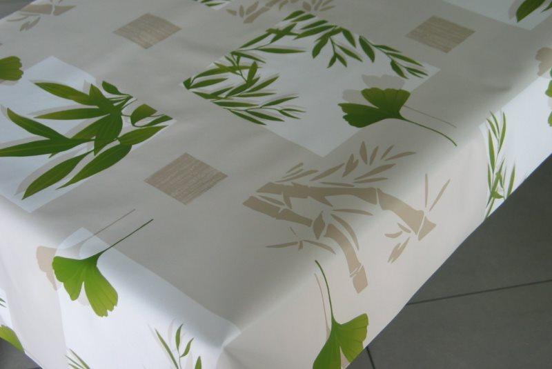 Клеенка с рисунком бамбука на кухонной столешнице