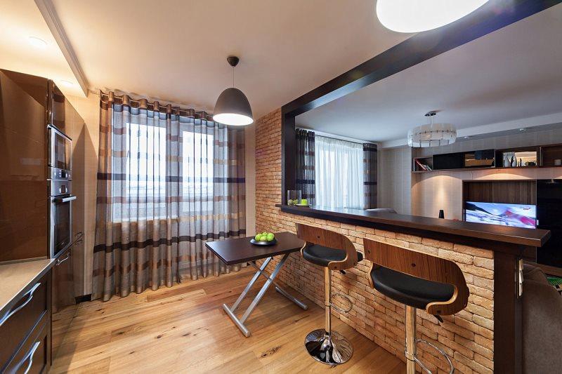 Барная стойка с кирпичной отделкой в кухне-гостиной