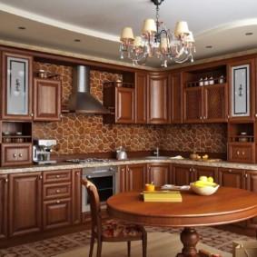 Филенчатые фасады кухонного гарнитура