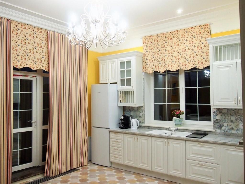 шторы на кухню окно с дверью фото увеличить лоджию при