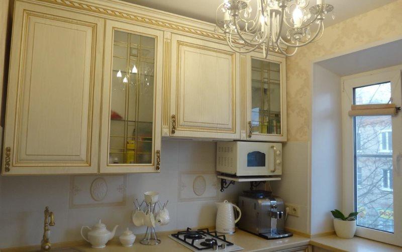 Кухонный гарнитур в стиле классика