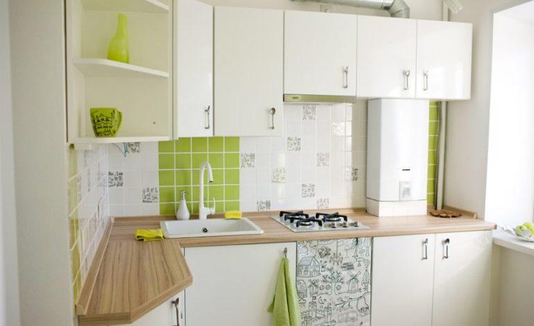 Открытое размещение газовой колонки в кухне хрущевки