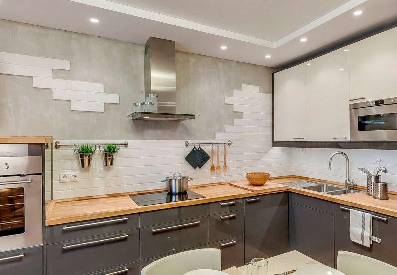Комбинированная отделка стены кухни