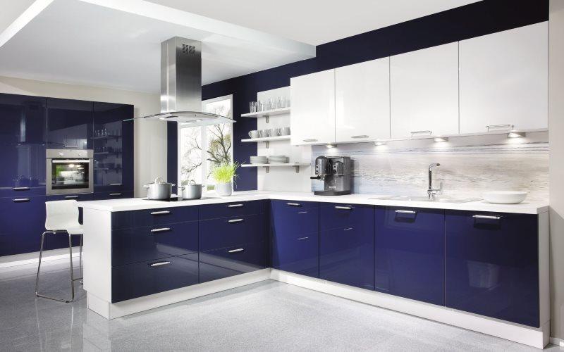 Темно-синий низ гарнитура в стиле модерн