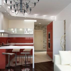 Современная кухня с белым диваном