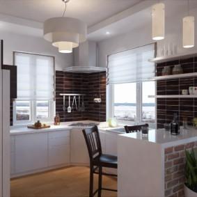 Два окна в рабочей зоне кухни-гостиной
