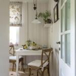 Обеденная зона в маленькой кухне