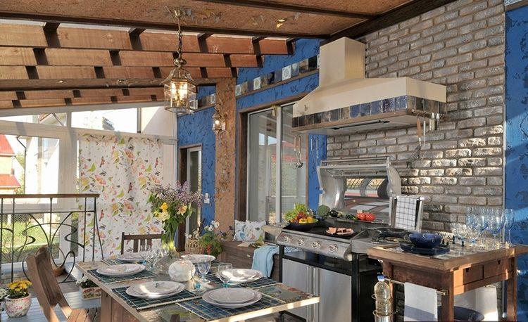 Дизайн летней кухни на веранде частного дома