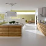 Кухонная мебель с фасадами под дерево